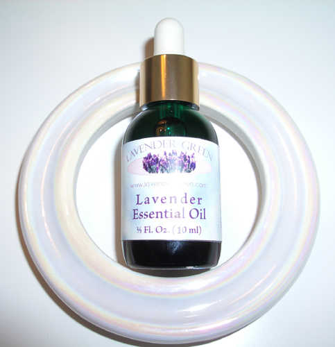Use this pearlized lamp ring diffuser with our essential oils.