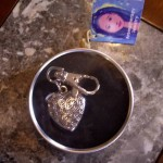 Aromatherapy Jewelry Heart Locket Pendant – with Essential Oils